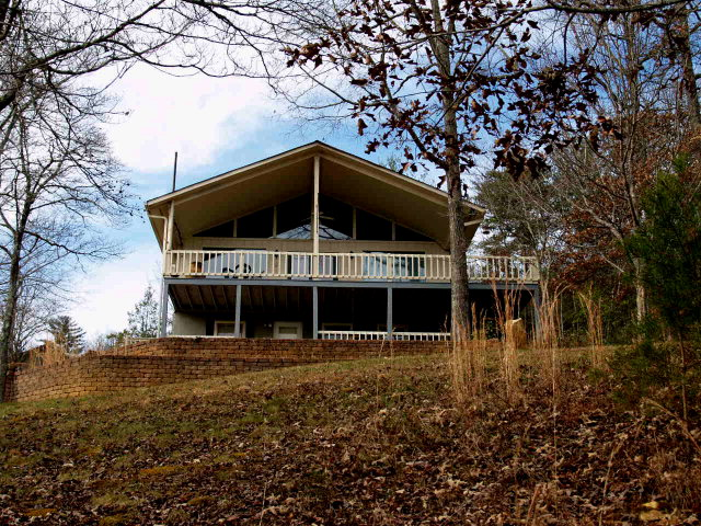 http://www.catcreek.com/mounthomes.html   beautiful home with views!